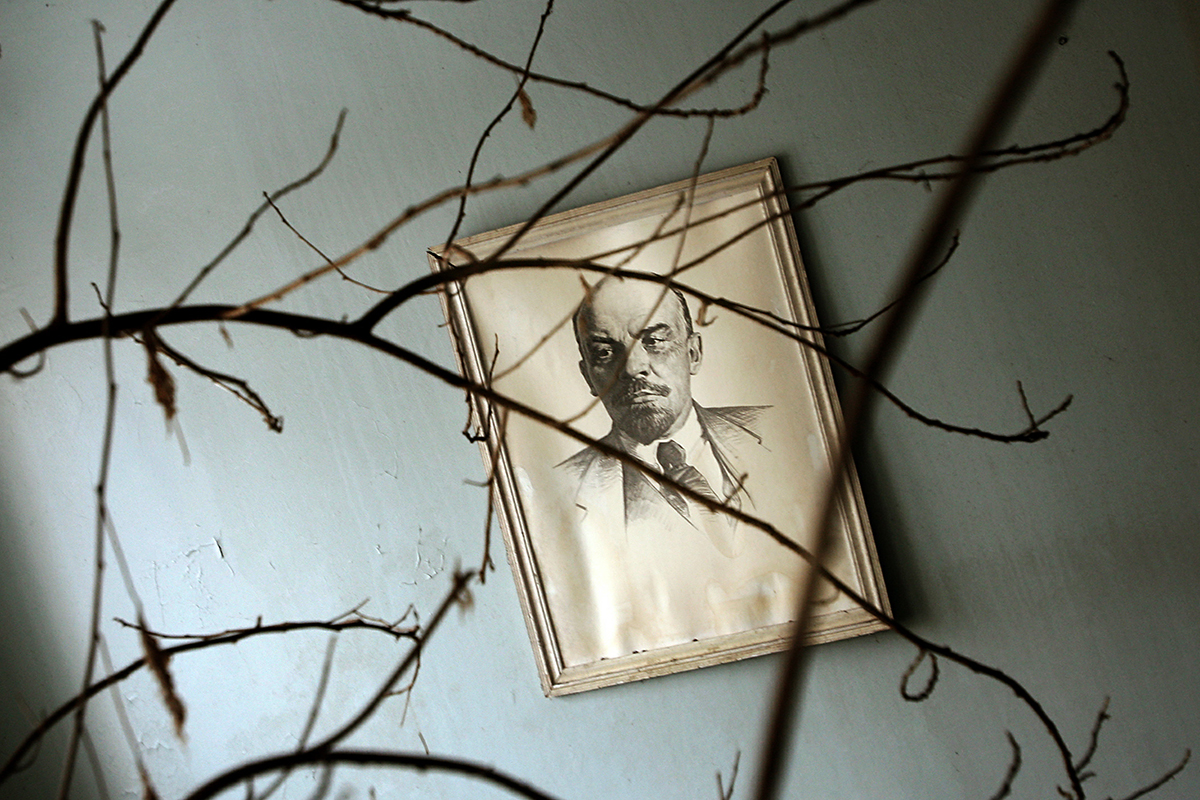 The catastrophe preserved relics of Soviet life. // A picture of Soviet state founder Vladimir Lenin is seen inside a hospital in Pripyat.