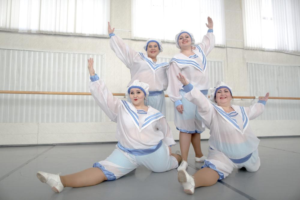 """Le ballerine del """"Balet tolstykh"""" amano moltissimo il proprio lavoro. E realizzano spettacoli ironici e affascinanti che hanno conquistato il pubblico"""