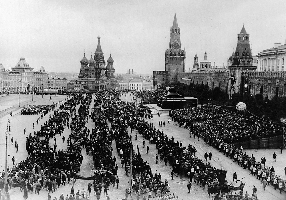 Mayday demonstration in Red Square, Moscow 1935. Foto:  Shagin/RIA Novosti
