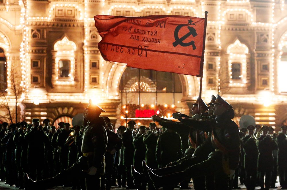 Servicemen in Moscow's Red Square during a night rehearsal of the upcoming 9 May military parade marking the 71st anniversary of the victory over Nazi Germany in World War II