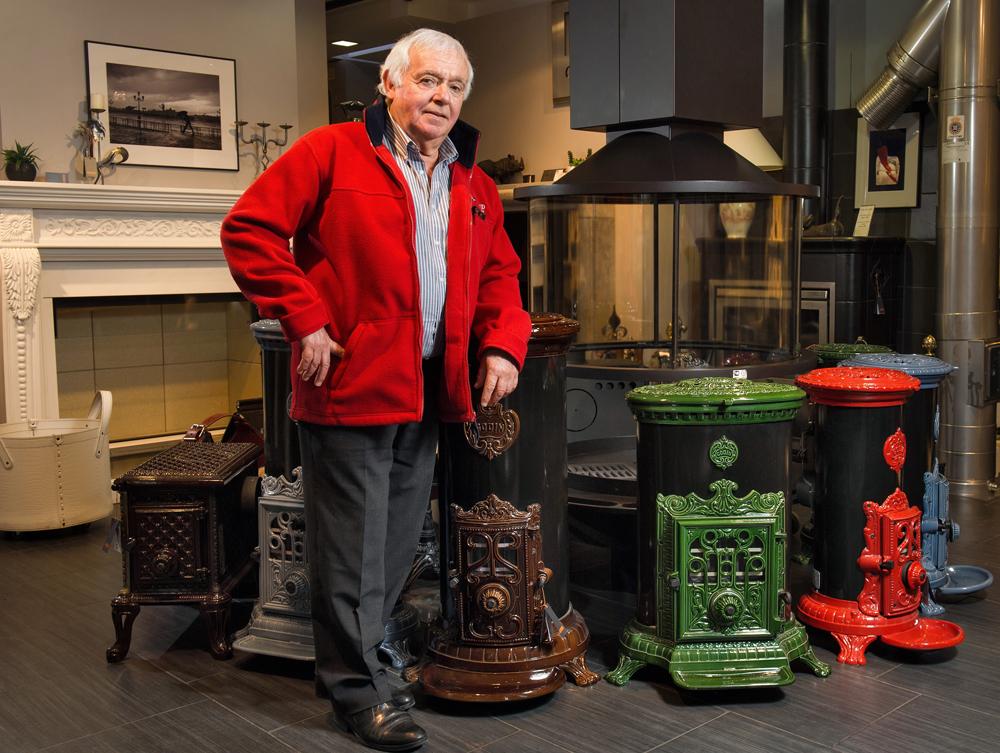 Le Français Angel Casajus a dédié la première partie de sa vie au pilotage ; la seconde à la fabrication de cheminées.