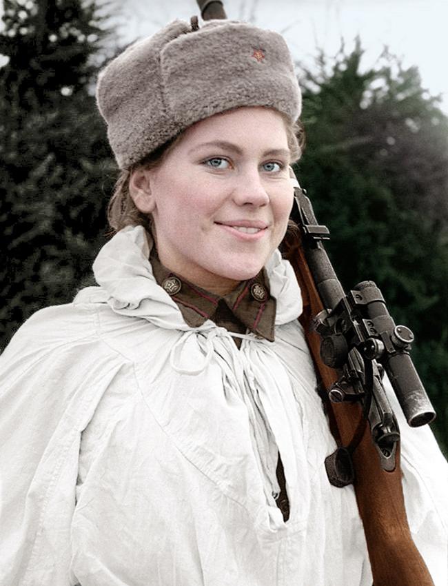Roza Chanina (1924-1945), atiradora de elite durante a Segunda Guerra Mundial.