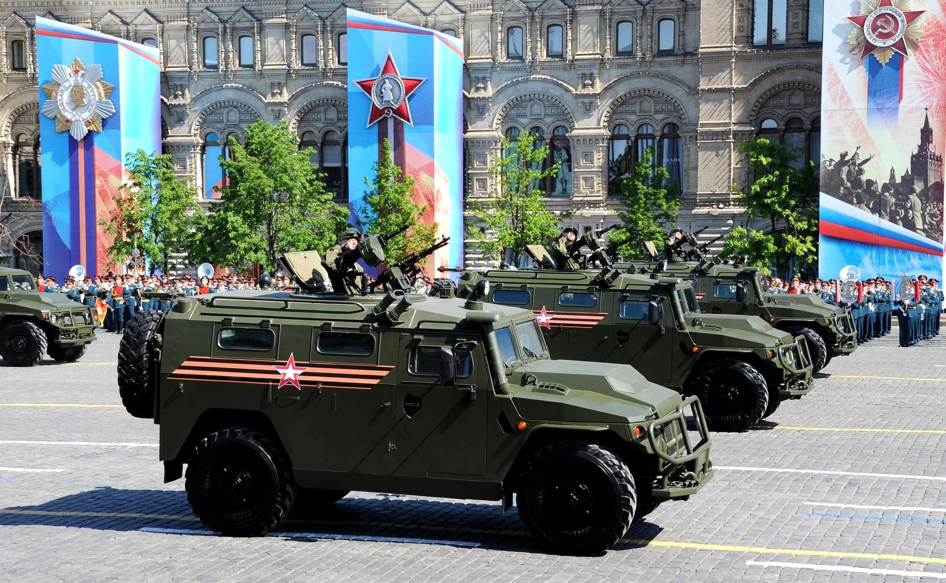 Desfile de segunda (9) teve modelos tradicionais e inovações do poderio militar russo