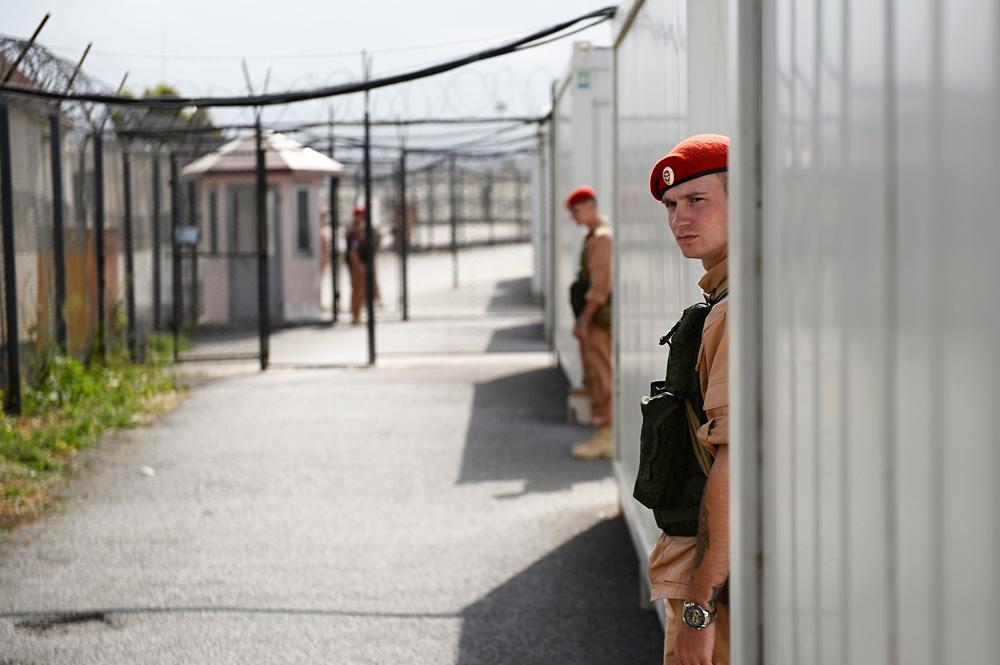 Des officiers russes à la base aérienne de Hmeimim en Syrie.