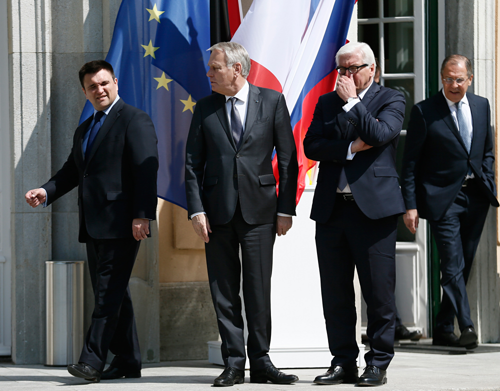 Foreign ministers Pavlo Klimkin of Ukraine, Jean-Marc Ayrault of France, Frank-Walter Steinmeier of Germany and Sergei Lavrov of Russia in Berlin, Germany, May 11, 2016, ahead of their meeting to discuss Ukraine crisis.