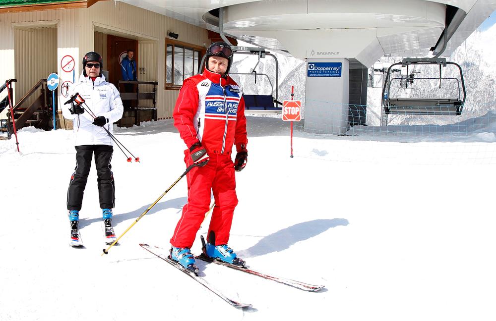 Vladímir Putin y Dmitri Medvédev en Sochi, 2012. Fuente: Dmitry Astakhov/TASS