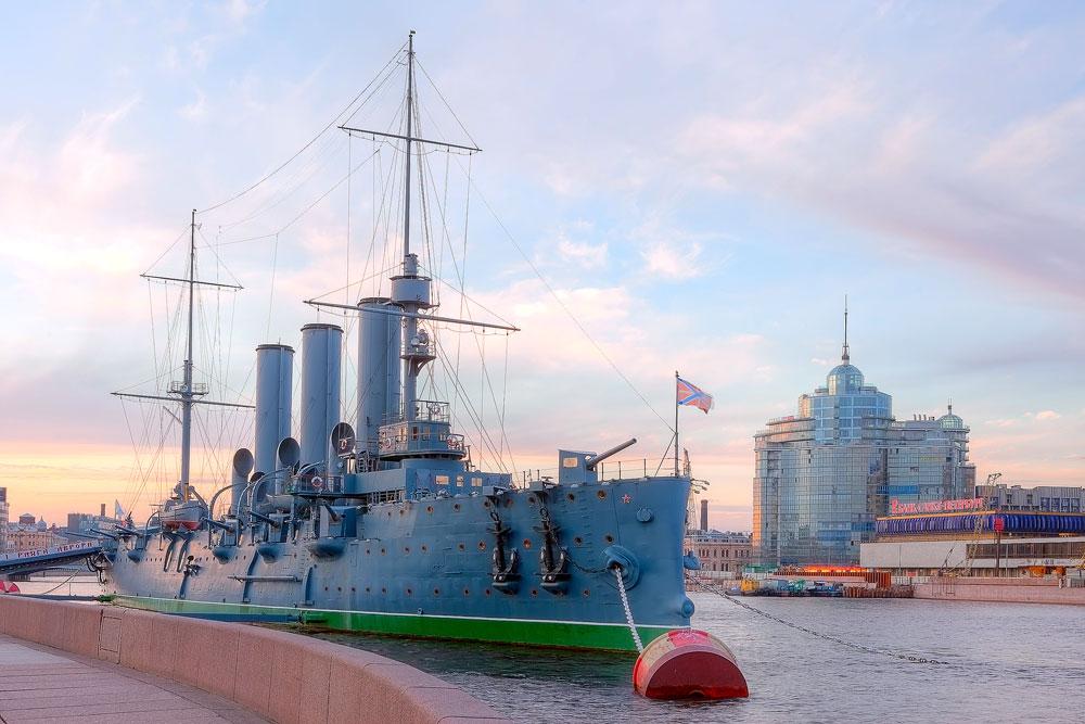 サンクトペテルブルクにあるロシア海軍の巡洋艦「アヴロラ」=