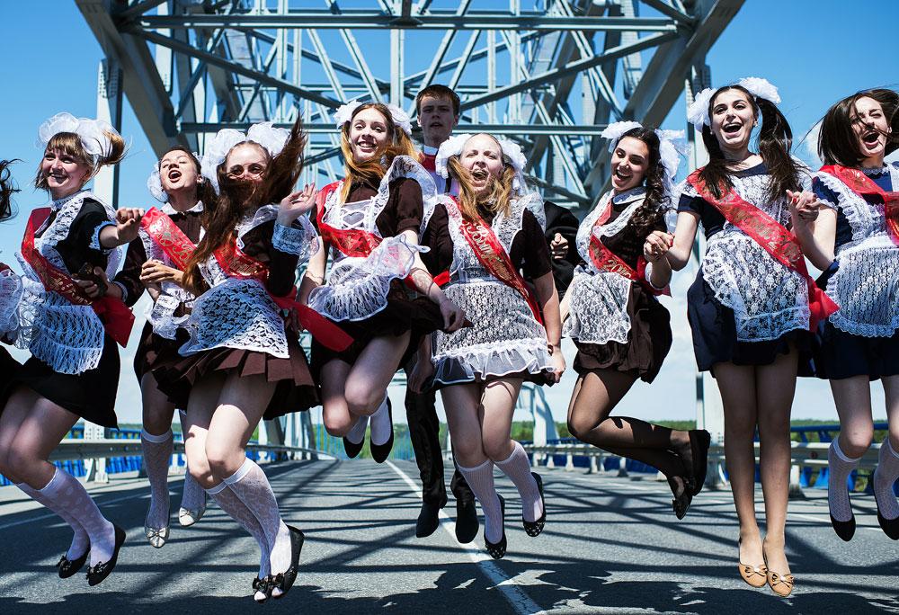 """Am 25. Mai feiern alle Schulabgänger in Russland """"die letzte Glocke"""" – den letzten Tag in der Schule."""