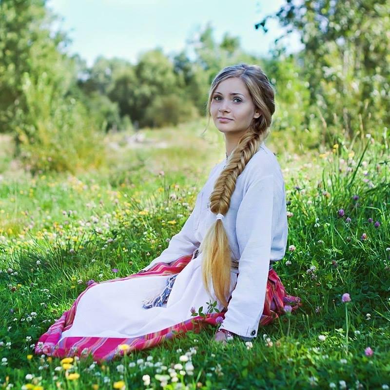Елизавета е ижорка. Тя учи на ижорски език всички желаещи чрез интернет.