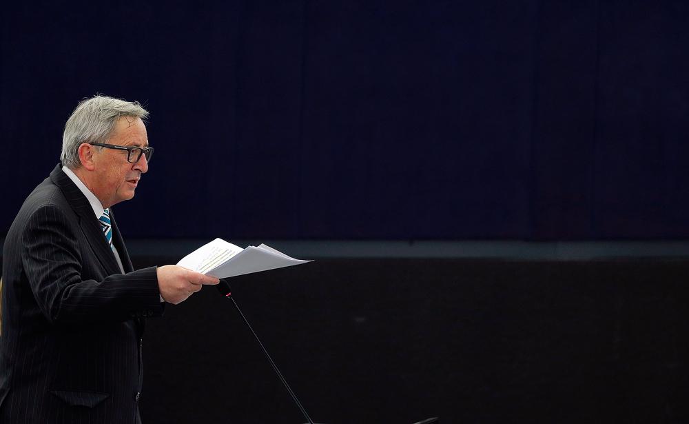 Le président de la Commission européenne Jean-Claude Juncker addresses prend la parole devant le Parlement européen.