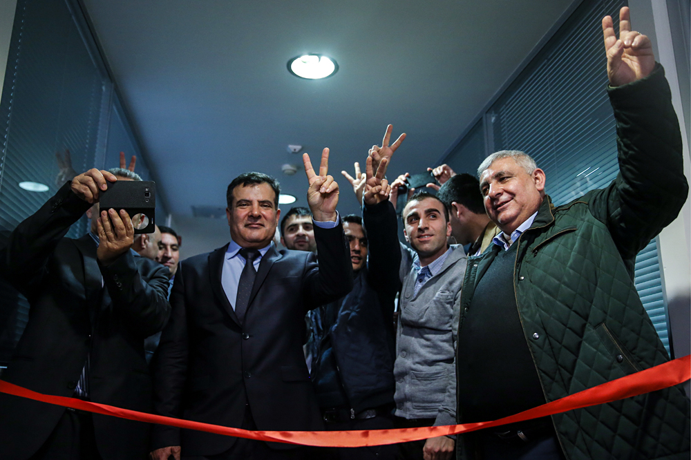 Members of Russia's Kurdish diaspora at the opening of a representative office of Syrian Kurdistan in Moscow, February 10, 2016.