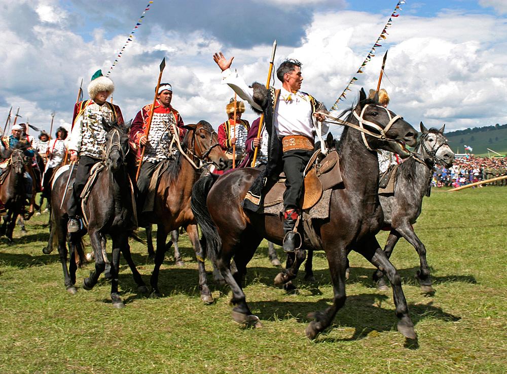 バシキールの伝統的な夏の祭り・サバントゥイ=Alamy/Legion-Media撮影