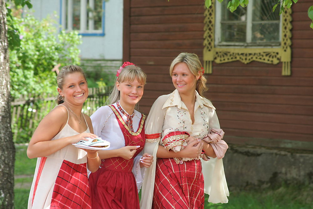 Most Veps live in Petrozavodsk, but it is the ancient village of Shyoltozero that is considered to be the center of the Vepsian national district, where you can meet real Veps.