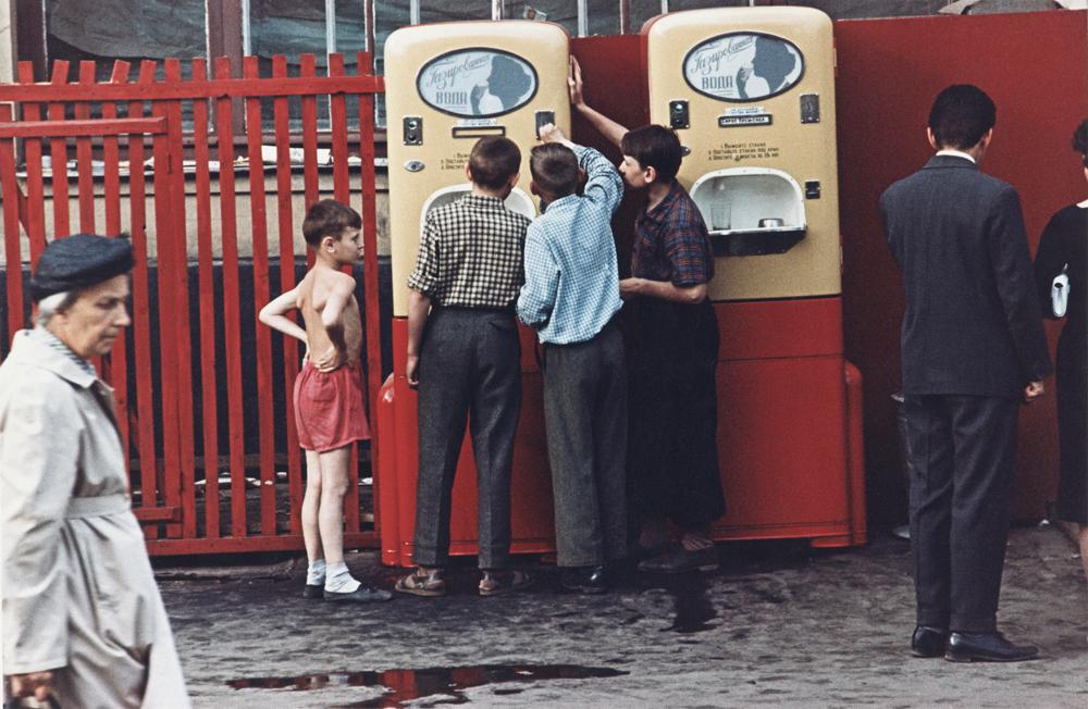 ドミートリイ・バルテルマンツ撮影。アルバート通り、 1958 年。