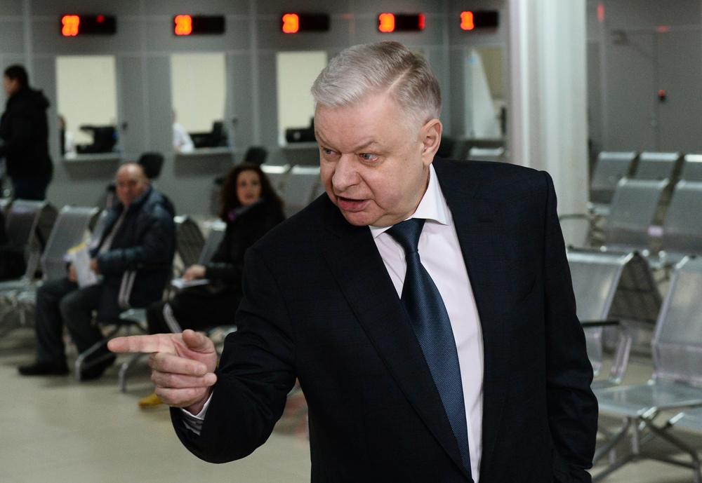 Constantin RomodanosvkinAu KGB : dans les années 1980, au service N°5 (idéologique) du KGB.nAprès : responsable du Service fédéral des migrations, supprimé en avril 2016.n