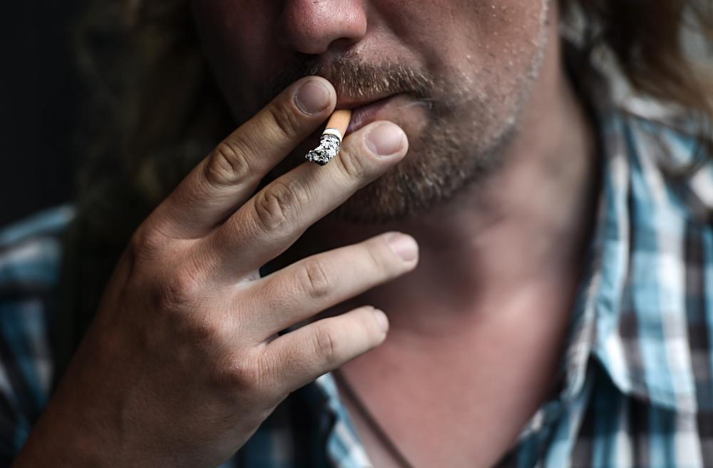 Menos espaço para fumantes e proibição de publicidade são armas usadas em campanha