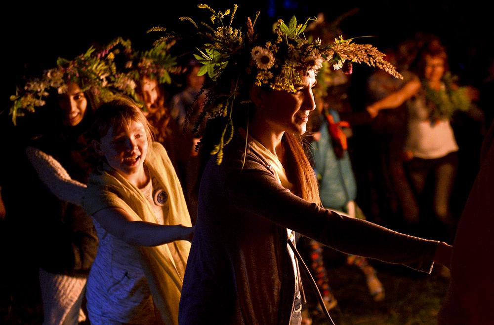 Celebración de la Noche de Iván Kupala cerca del pueblo de Pechishche en el distrito de Verjeuslonski. 