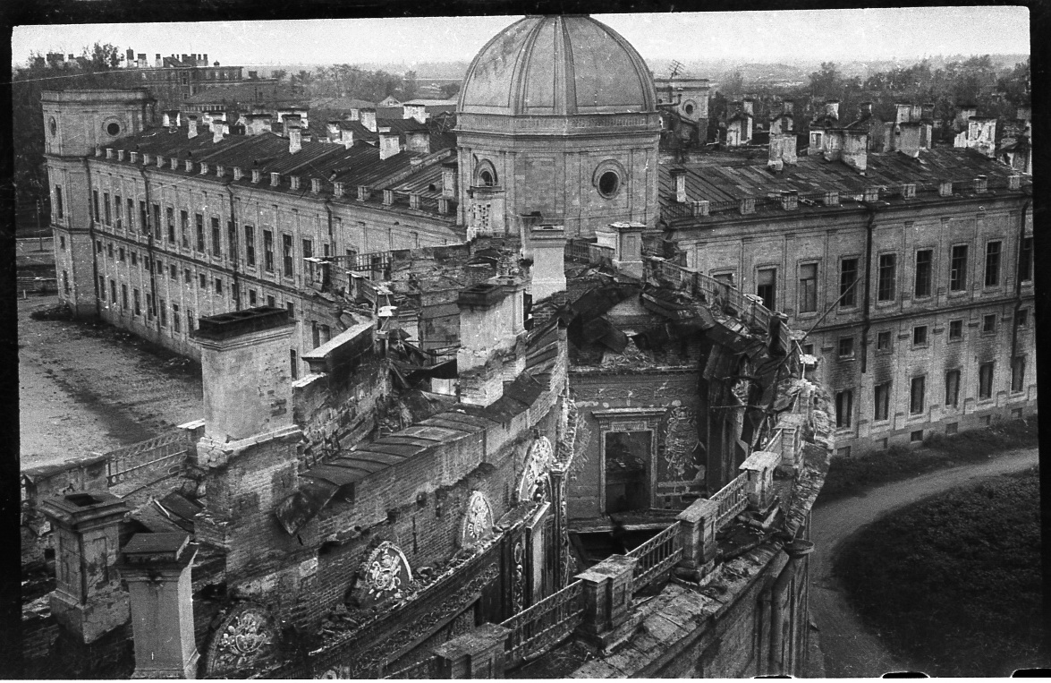 Chesmen gallery of Gatchina Palace, destroyed during the WWII, 1944. Source: Press photo