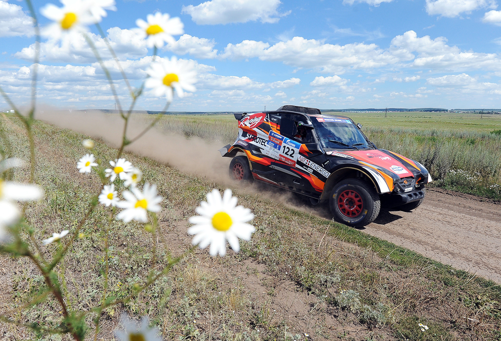Russia. SUPROTEC RACING crew, Andrei Rudskoi and Yevgeny Zagorodnyuk, take part in the third leg of the Silk Way Rally 2016 rally-raid in the Chelyabinsk Region
