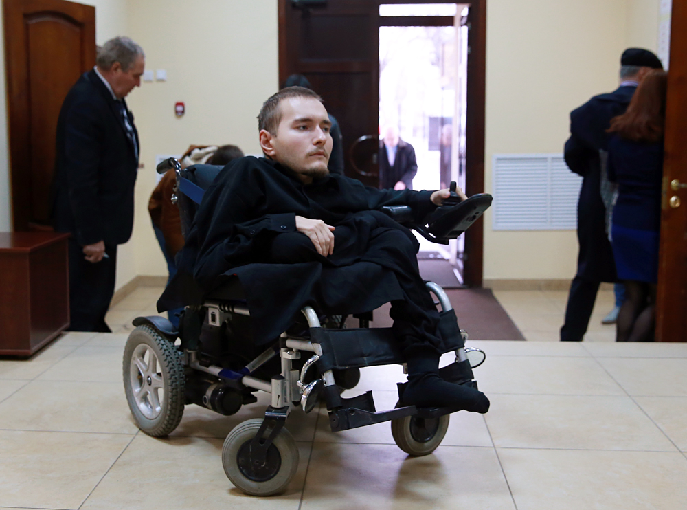 Russia's computer scientist Valery Spiridonov, suffering from Werdnig Hoffman's disease, volunteers for the world's first head-to-body transplant.