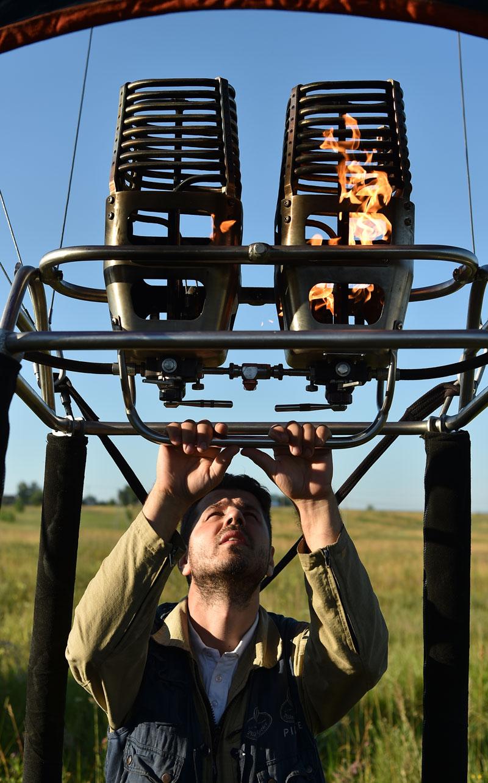 Балоните с горещ въздух са най-популярни, твърди Михаил. Газовите аеростати изминават по-дълги разстояния, но са твърде скъпи.