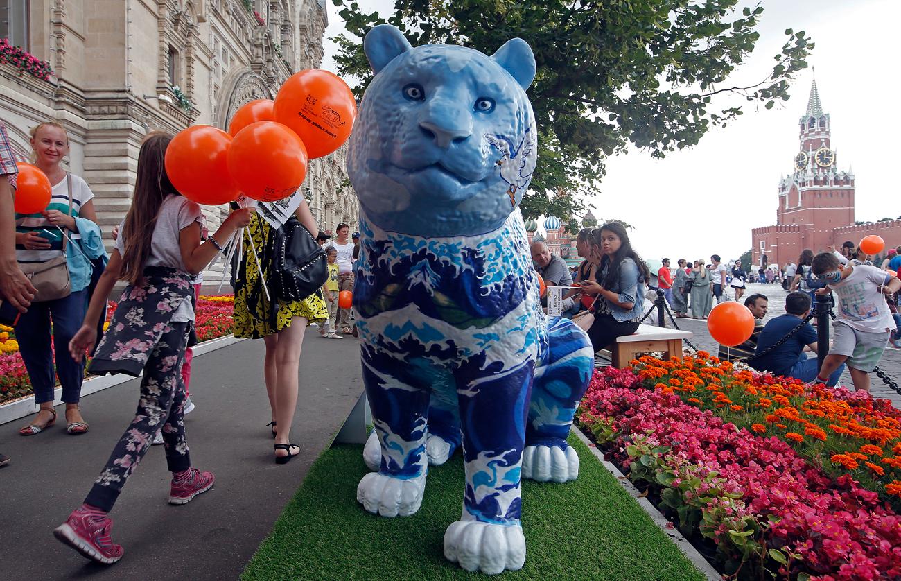 """""""Парадът на дивите котки"""" на Червения площад в Москва."""