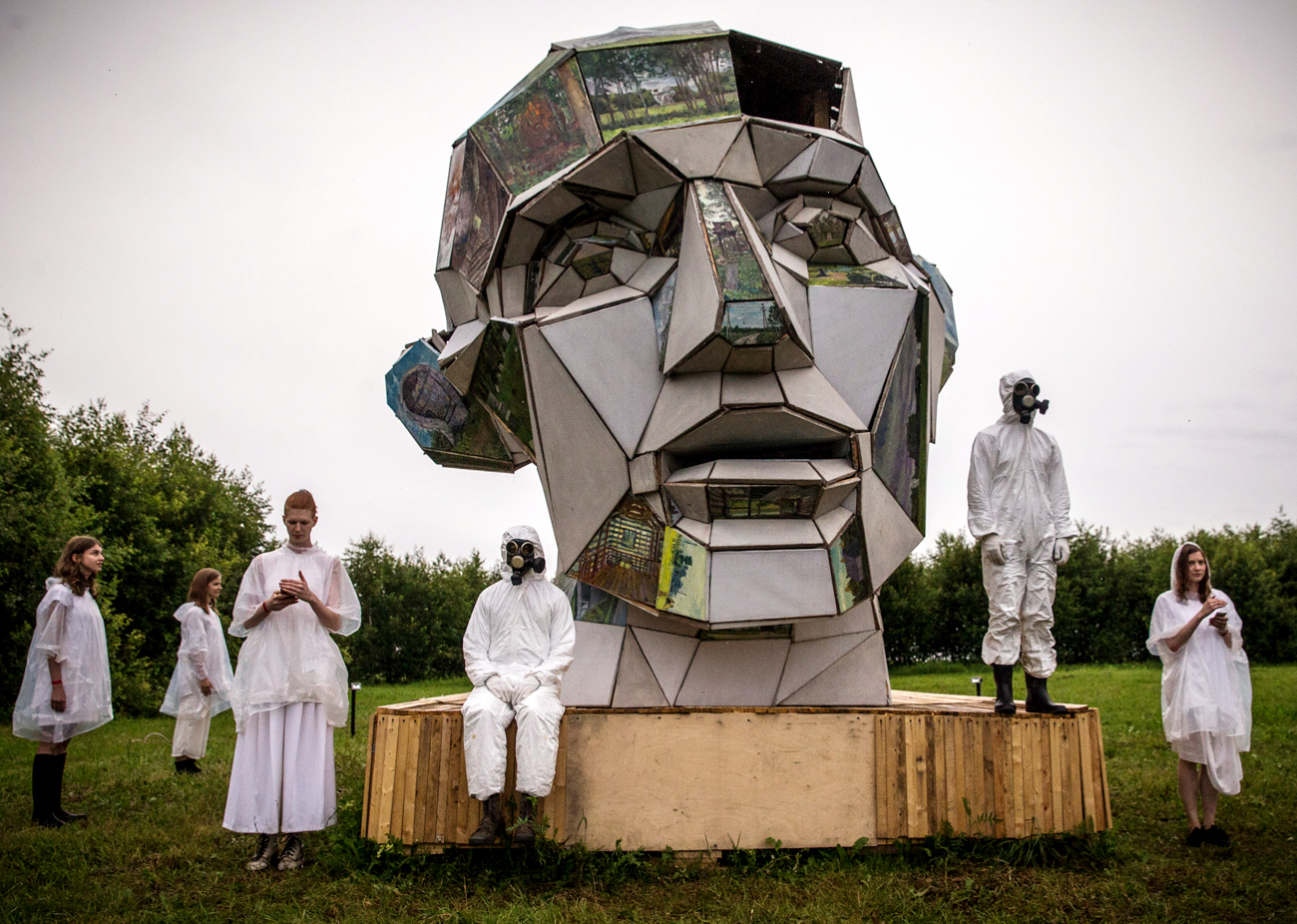 Archstoyanie is a festival of landscape art objects in Nikola-Lenivets village of Kaluga Region (about 200km from Moscow). This object calls 'A head house of homeless' and was made by the artist Pavel Suslov.