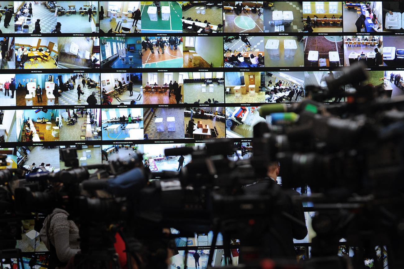 """Seit 2014 gilt die Vereinigung """"Golos"""" offiziell als """"Agent"""" und kämpft gegen ihren zugewiesenen Status. Auf dem Bild: Das Zentrum für Wahlbeobachtung bei den letzten Duma-Wahlen 2014."""