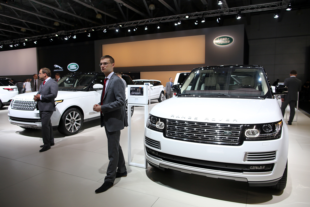 According to Avtostat, in the first half of 2016 the re-export of Land Rovers has reached 1,500 units, 424 Audi cars, 356 Mercedes-Benz models and 341 Lexus vehicles.