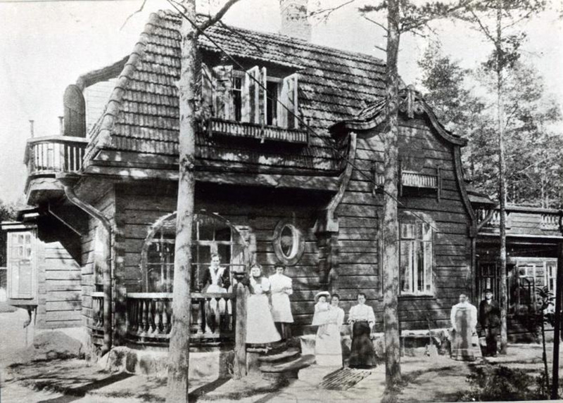 A lot has changed in the 21st century. Now you can buy as much dacha land as you want, and some dachas no longer look like typical wooden houses in Russia, but more like cottages. But they are still called dachas and many families spend their summers there.  / In front of the dacha, 1910s.