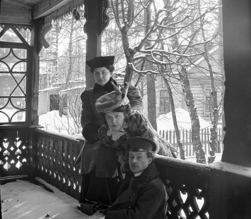 През зимата повечето хора се връщат по градовете. / Разходка в Петровско-Разумовское, 1900-те.