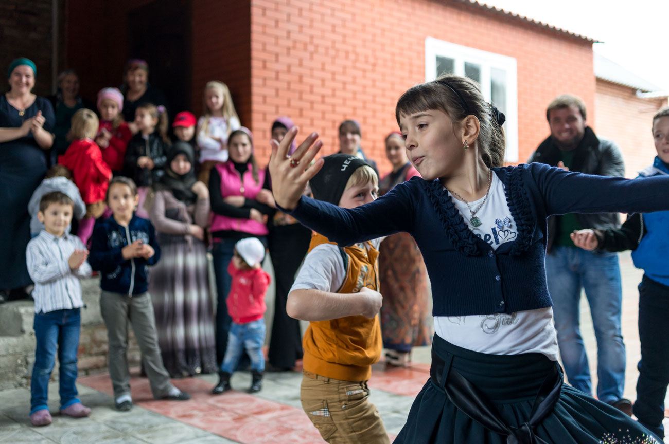 <p>The youngest guests dance with more fervor than all of them.</p>