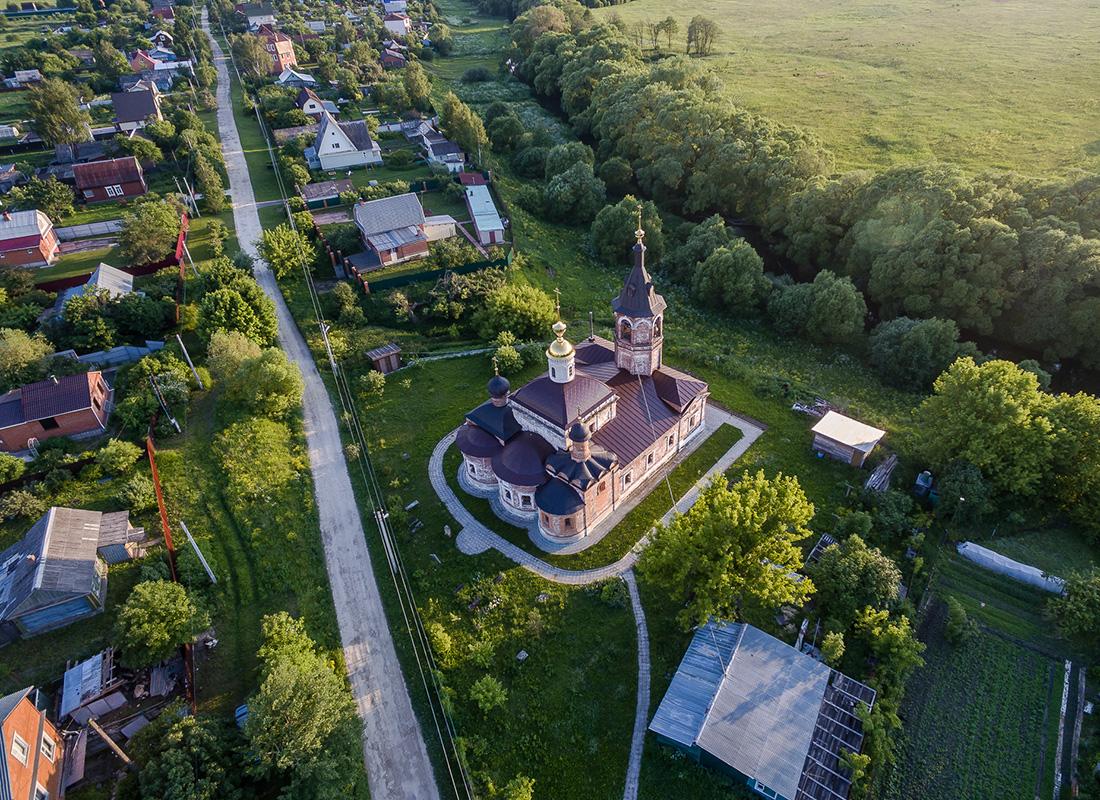 ポクロフスカヤ教会は16世紀末に建立された。ポクロフスクのシェレメーティエフ伯爵家の旧領地に所在する。