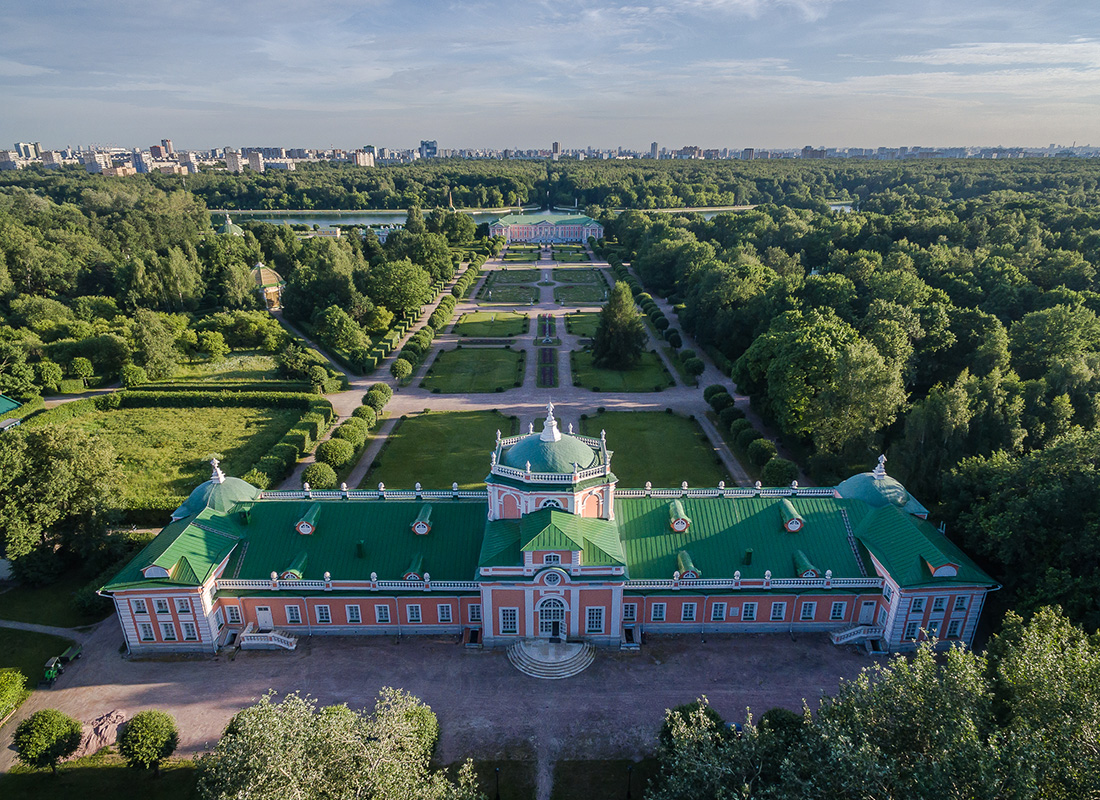 Main stone greenhouse at the Kuskovo estate.