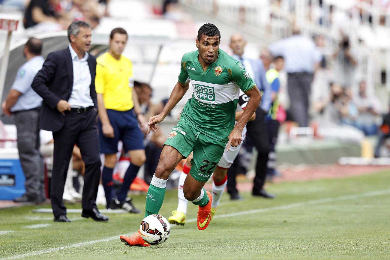 Atacante começou carreira em 2006 no Cruzeiro, e transferiu-se para um time europeu já em 2009.