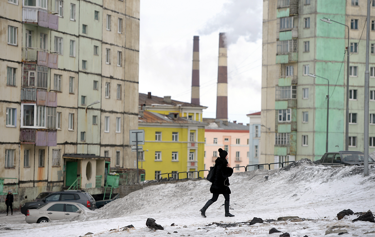 Stanovanjska četrt v Norilsku. Vir: Maksin Blinov / RIA Novosti