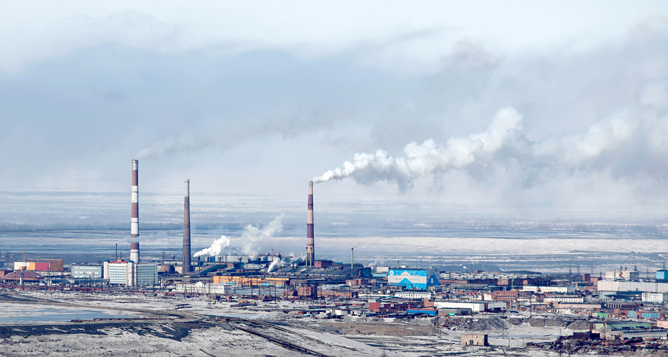 A general view is seen of Norilsk Nickel's copper plant in Russia's Arctic city of Norilsk, April 16, 2010. More than a quarter of the 210,000 people living in and around the city work for Norilsk Nikel, a $38 billion company mining a fifth of the world's nickel and more than half of its palladium, a metal used in car exhausts and jewellery.