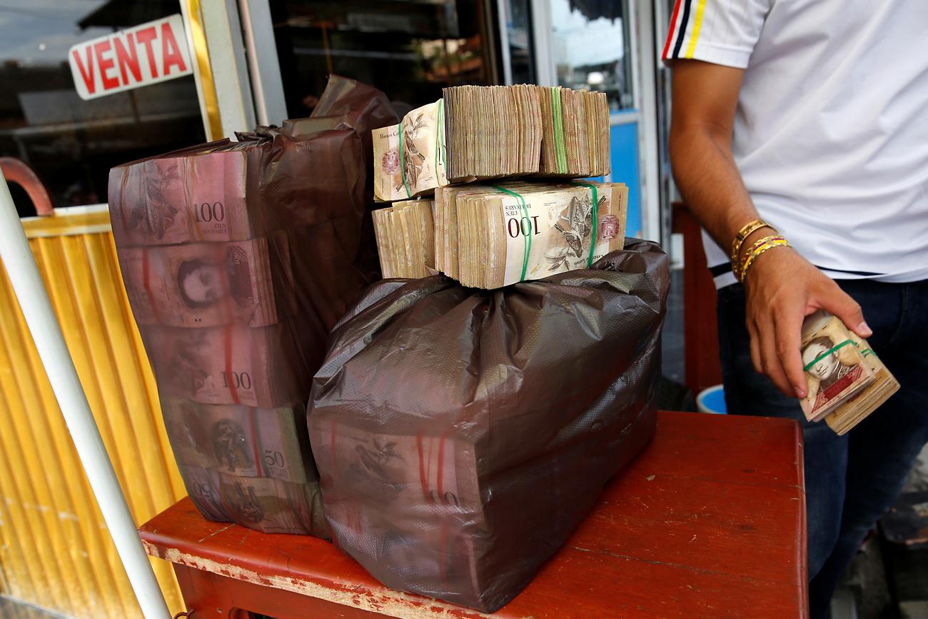 Dinheiro era provavelmente usado para câmbio no mercado negro
