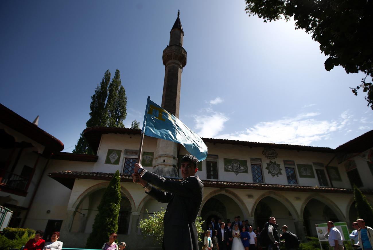 Krimski Tatari v Bahčisaraju.