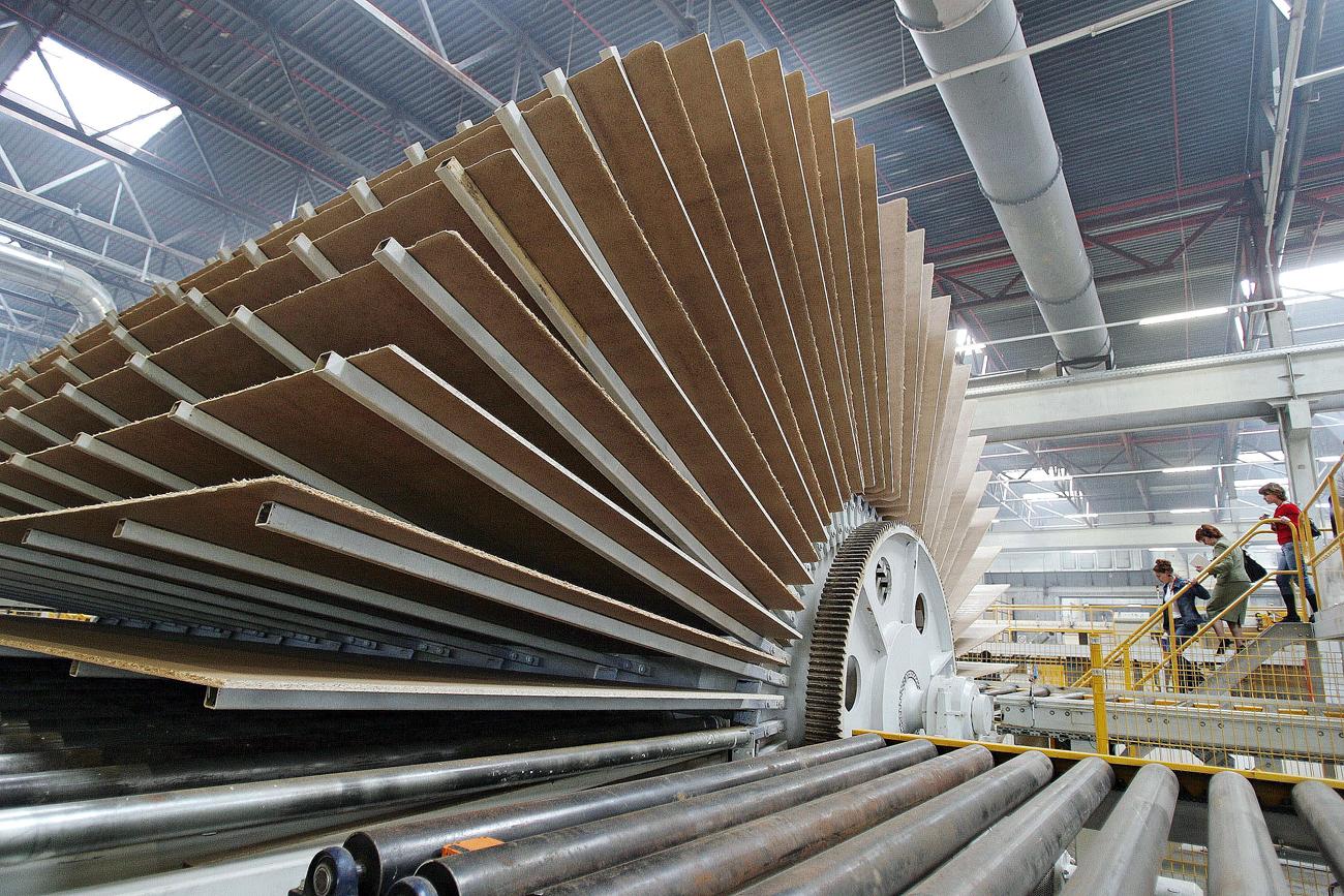 Fertigungsanlage für Holzfaserplatten von Egger in der Stadt Schuja, etwa 300 km nordöstlich von Moskau. Foto: Vladimir Smirnov / TASS