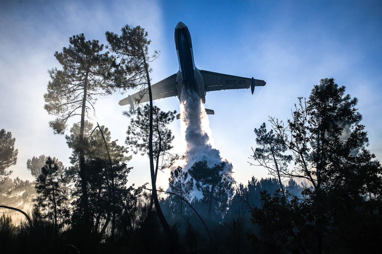 A Beriev Be-200ChS multipurpose amphibious aircraft of the Russian Emergency Situations Ministry battling wildfires