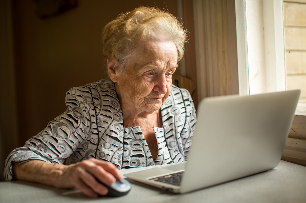 Moscow pensioners to teach foreign students via Skype.