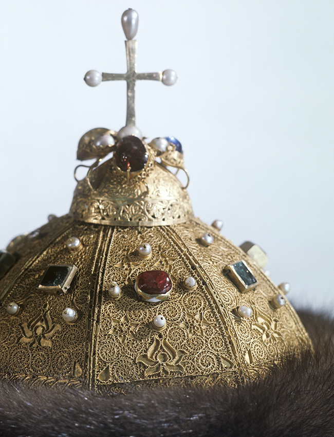 The most famous Russian filigree artwork is Monomakh's Cap, a chief relic of Russian autocracy and the oldest crown on display in the Kremlin Armory. The cap seems to have been made between the 13-14th centuries in Central Asia. It is a filigree cap, decorated with pearls, sable fur, rubins and emeralds.