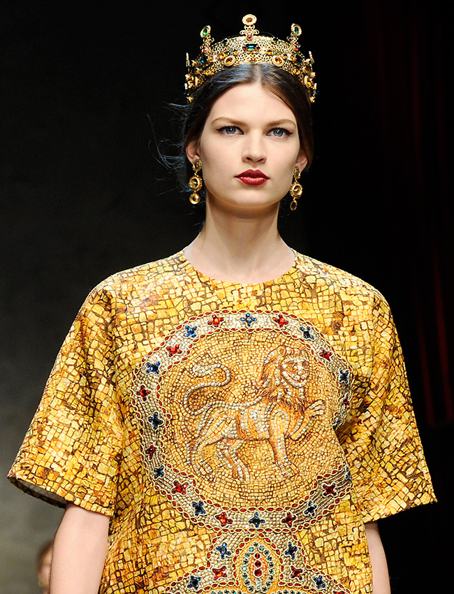 Russian craftsmen mastered the art of filigree jewelry, and this wondrously delicate handiwork spread to the towns and cities of central Russia and the Caucasus. Soon the artisans added vases, boxes, dishes, religious utensils, and even murals to their expanding repertoire. / Dolce & Gabbana women's Fall-Winter 2013-14 collection.