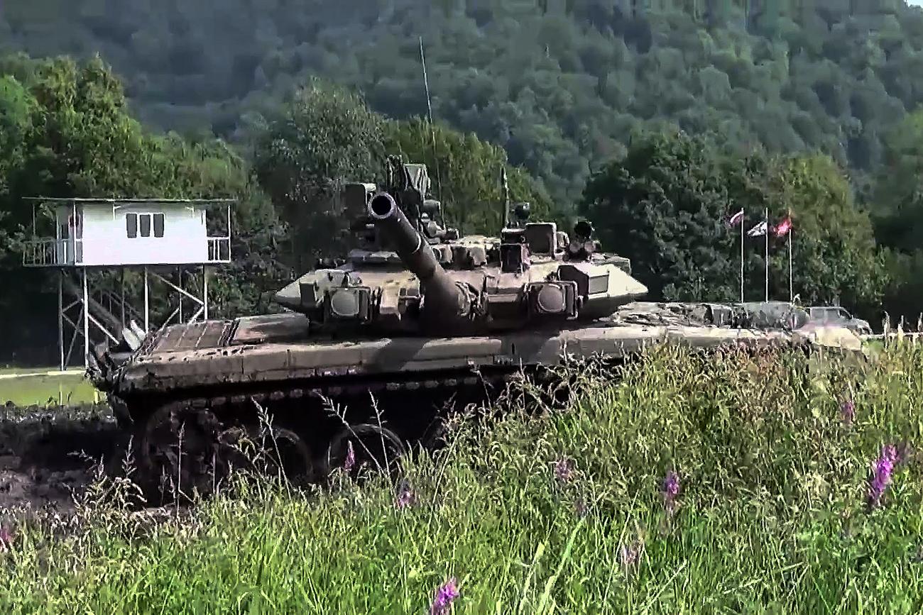 Exército russo faz novo teste de prontidão de combate; veja vídeo width=