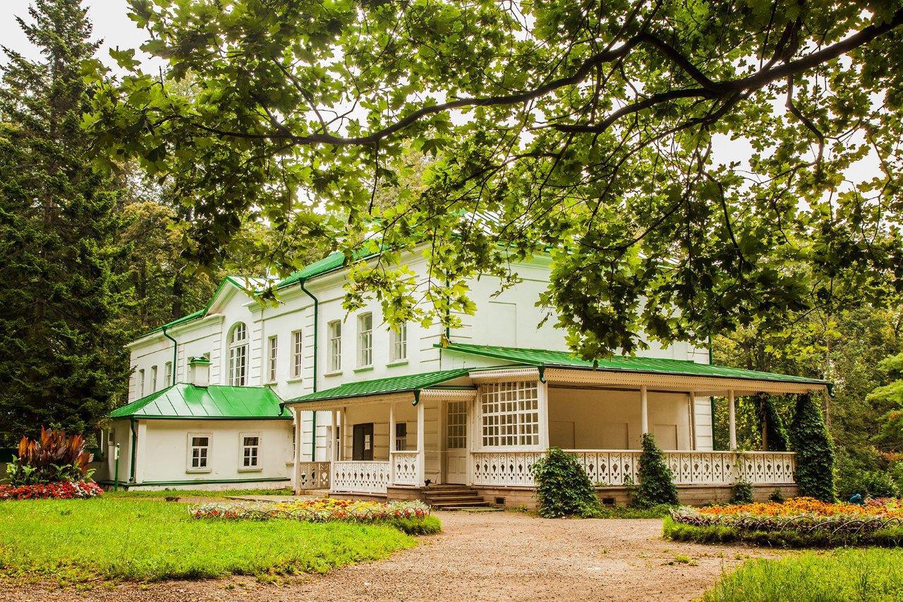 Leo Tolstoy's house in Yasnaya Polyana.