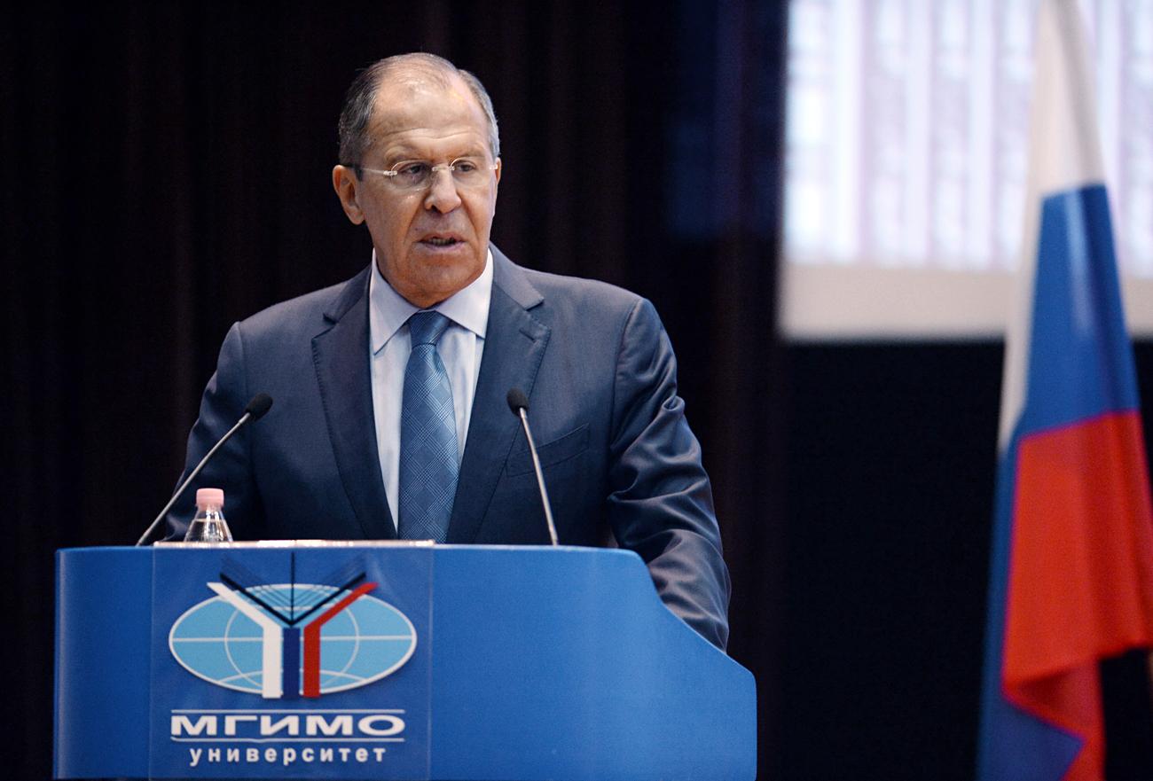 Министар спољних послова РФ Сергеј Лавров се обраћа студентима МГИМО.