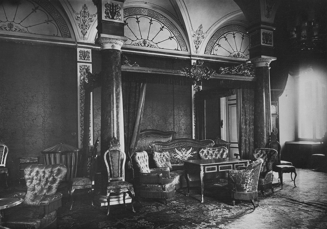 This term describes the Russian Baroque architectural style under Empress Elizabeth Petrovna (1741-61) that includes elements of French Rococo in interiors. / Empress Maria Alexandrovna's boudoir.