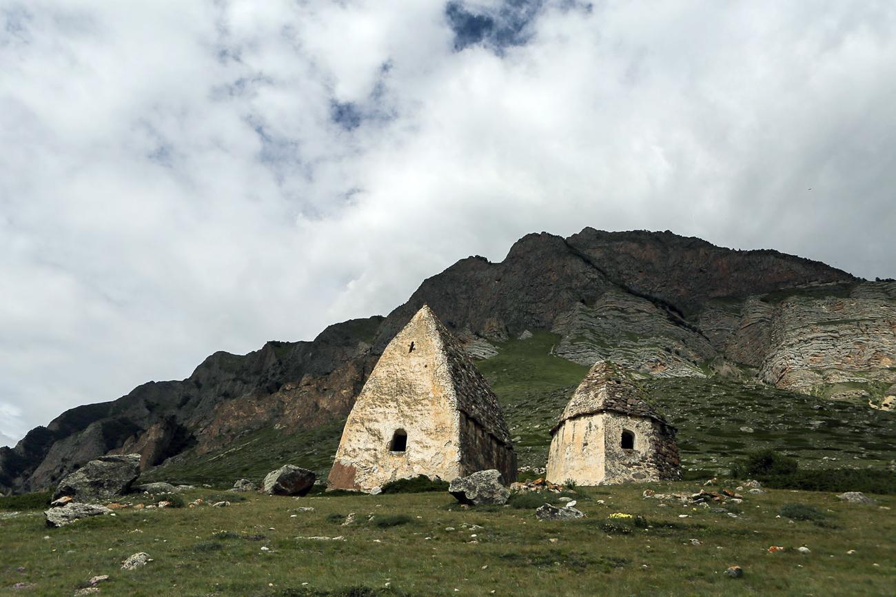 Maisons traditionelles des Balkars, village d'El Tubu.