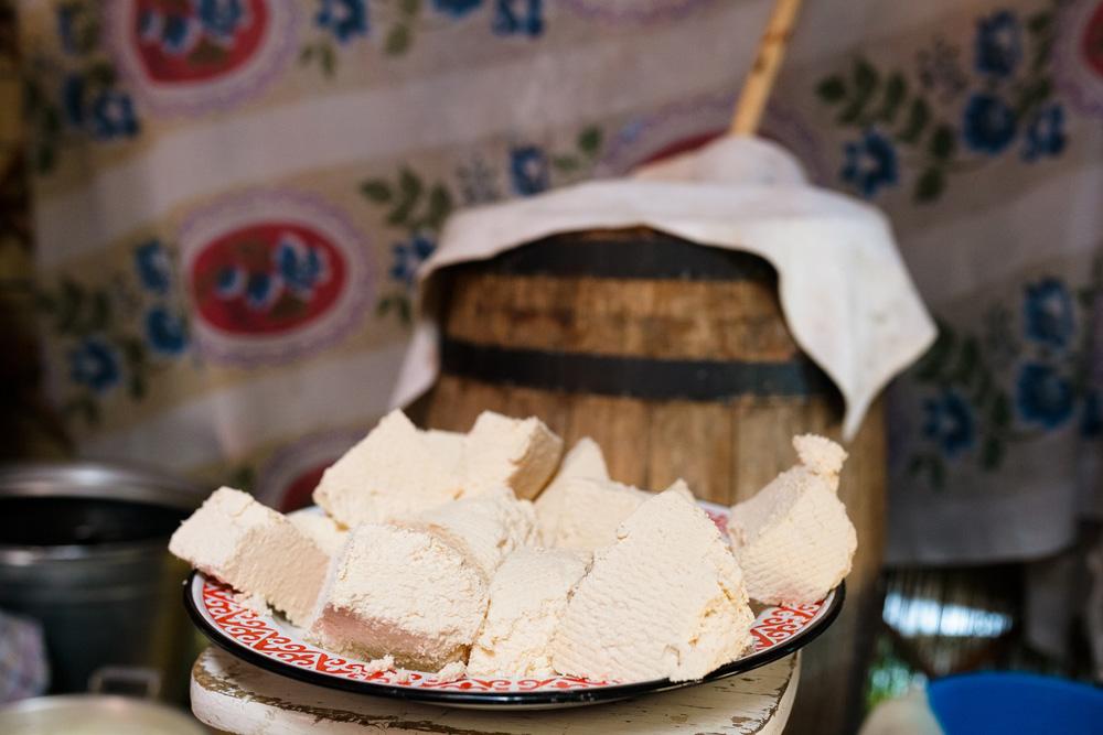 Du fromage local. Crédit: Anton Petrov